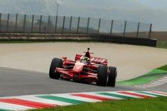 MUGELLO, IT, November, 2013: onbekende looppas met Ferrari F1 tijdens Finali Mondiali Ferrari 2013 in de mugellokring in Italië Stock Afbeelding