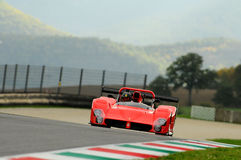 MUGELLO, IT, November 2013, onbekende looppas met ferrari 333SP in de Mugello-Kring tijdens Finali Mondiali Ferrari 2013 in Mugel Stock Afbeeldingen