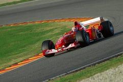 MUGELLO, IT, November, 2007: onbekende looppas met Modern Ferrari F1 tijdens Finali Mondiali Ferrari 2007 in de mugellokring daar stock afbeeldingen