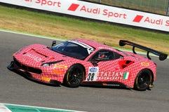 Mugello obwód Włochy, Lipiec, - 17, 2016: Ferrari 488 GT3 Łatwa rasy drużyna, jadących d Mancinelli i G Romanelli Zdjęcie Stock