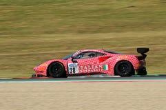 Mugello obwód Włochy, Lipiec, - 17, 2016: Ferrari 488 GT3 Łatwa rasy drużyna, jadących d Mancinelli i G Romanelli Obraz Stock