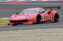 Mugello obwód Włochy, Lipiec, - 17, 2016: Ferrari 488 GT3 Łatwa rasy drużyna, jadących d Mancinelli i G Romanelli Obrazy Royalty Free