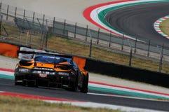 Mugello obwód Włochy, Lipiec, - 17, 2016: Ferrari 488 GT3 Super Drużynowego Czarnego byka Szwajcarski Ścigać się GT3, jadących Ga Obrazy Stock