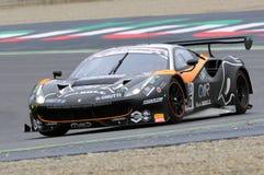 Mugello obwód Włochy, Lipiec, - 17, 2016: Ferrari 488 GT3 Super Drużynowego Czarnego byka Szwajcarski Ścigać się GT3, jadących Ga Fotografia Royalty Free