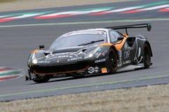 Mugello obwód Włochy, Lipiec, - 17, 2016: Ferrari 488 GT3 Super Drużynowego Czarnego byka Szwajcarski Ścigać się GT3, jadących Ga Fotografia Stock