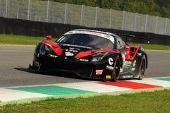 Mugello obwód, Włochy - 6 Październik, 2017: Ferrari 488 Łatwa rasy drużyna jadąca SCHIRO ` Niccolo ` - CIOCIA Marco Obraz Royalty Free