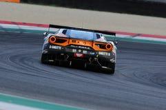 Mugello obwód, Włochy - 6 Październik, 2017: Ferrari 488 GT3 Drużynowego Czarnego byka Szwajcarski Ścigać się, jadących S GAI i M Fotografia Stock
