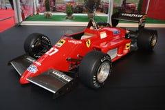 MUGELLO IT, Oktober, 2017: Ferrari F1 F156/85 turboladdare av Rene Arnoux och Michele Alboreto på paddockshowen av Ferrari årsdag Arkivbild