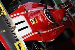 MUGELLO, IT, Październik, 2017: Rocznik Ferrari F1 312 B4 1974 Clay Regazzoni i Niki Lauda przy padoku przedstawieniem Ferrari ro Fotografia Royalty Free
