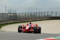 MUGELLO, service informatique, novembre 2013 : l'inconnu fonctionnent avec Ferrari F1 pendant le Finali Mondiali Ferrari 2013 dan Image libre de droits