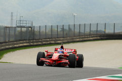 MUGELLO, service informatique, novembre 2013 : l'inconnu fonctionnent avec Ferrari F1 pendant le Finali Mondiali Ferrari 2013 dan Photos libres de droits