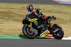 MUGELLO-STRÖMKRETS - JULI 13: Andrea Dovizioso av det monsterYamaha laget som springer på Qualify perioden av den MotoGP granda p royaltyfri foto