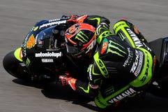 MUGELLO-STRÖMKRETS - JULI 13: Andrea Dovizioso av det monsterYamaha laget som springer på Qualify perioden av den MotoGP granda p arkivbild