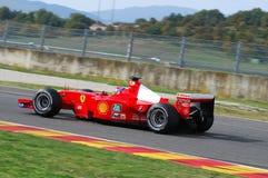 MUGELLO, a TI, em novembro de 2007: o desconhecido corre com Ferrari moderno F1 durante Finali Mondiali Ferrari 2007 no circuito  Fotos de Stock