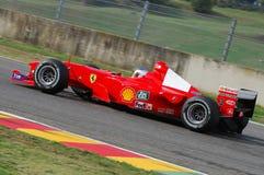 MUGELLO, a TI, em novembro de 2007: o desconhecido corre com Ferrari moderno F1 durante Finali Mondiali Ferrari 2007 no circuito  Imagem de Stock Royalty Free