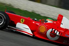 MUGELLO, a TI, em novembro de 2007: o desconhecido corre com Ferrari moderno F1 durante Finali Mondiali Ferrari 2007 no circuito  Fotos de Stock Royalty Free