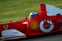 MUGELLO, a TI, em novembro de 2007: o desconhecido corre com Ferrari moderno F1 durante Finali Mondiali Ferrari 2007 no circuito  Imagem de Stock
