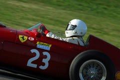 MUGELLO, a TI, em novembro de 2007: O desconhecido corre com os anos 50 históricos Ferrari F1 durante Finali Mondiali Ferrari 200 Fotos de Stock Royalty Free