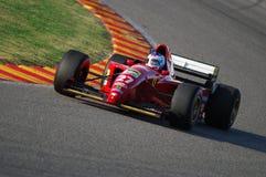 MUGELLO, a TI, em novembro de 2007: o desconhecido corre com T2 histórico Gherard ex Berger de Ferrari F1 412 durante Finali Mond Imagem de Stock