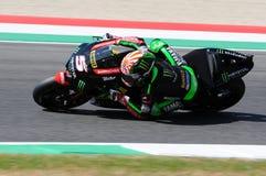 MUGELLO - WŁOCHY, CZERWIEC 3: Francja Yamaha techniki 3 jeździec Johann Zarco przy 2017 Oakley MotoGP GP Włochy obraz royalty free