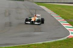 MUGELLO WŁOCHY, MAJ, - 2012: Jules Bianchi siły India F1 drużyny rasy podczas formuła jeden drużyn Bada dni przy Mugello obwodem  obrazy stock