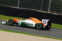 MUGELLO WŁOCHY, MAJ, - 2012: Jules Bianchi siły India F1 drużyny rasy podczas formuła jeden drużyn Bada dni przy Mugello obwodem  obrazy royalty free