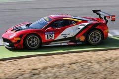 MUGELLO, WŁOCHY - 23 Marzec 2018: Na Nielsen przejażdżki Ferrari 488 wyzwanie podczas praktyki sesi Round -1 Ferrari wyzwanie Obraz Stock