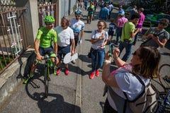 Muggià ², Italië 26 Mei, 2016; Davide Formolo, team Cannondale, ontmoet de ventilators vóór het begin van het stadium Stock Afbeelding