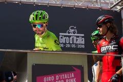 Muggià ², Italië 26 Mei, 2016; Moreno Moser, team Cannondale, aan de podiumhandtekeningen vóór het begin van het stadium Stock Foto