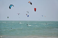 Kite surfers kite surfing at Mui Ne, Vietnam Stock Photos