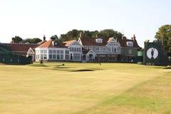 Muirfield-Klubhaus und 18. Grün Stockbilder