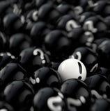 Muitas bolas pretas com pontos de interrogação rendição 3d Fotos de Stock Royalty Free