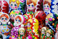 Muitas bonecas tradicionais do matryoshka do russo Fotos de Stock