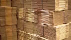 Muitas caixas no armazém filme