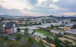 Muitas casas e plantações em Dalat Fotografia de Stock