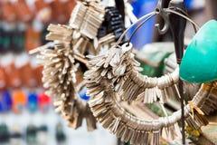 Muitas chaves nos pacotes Fabricação das chaves no mercado local em Hanoi, Vietname Close-up Imagens de Stock Royalty Free
