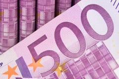 Muitas 500 contas do EURO, conceito do dinheiro do dinheiro Imagens de Stock Royalty Free