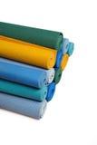 Muitas esteiras da ioga do colorfull como um fundo foto de stock