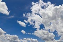 muitas nuvens do branco Foto de Stock