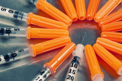 Muitas seringas médicas Imagens de Stock