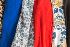 Muitas texturas coloridas de pano da tela com testes padrões Fotos de Stock