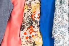Muitas texturas coloridas de pano da tela com testes padrões Imagem de Stock