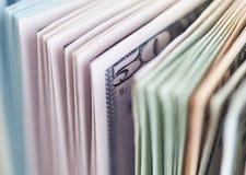 Muito close-up das contas de dólares Foto de Stock