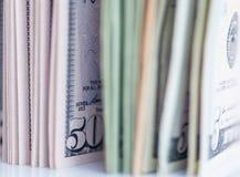 Muito close-up das contas de dólares Fotografia de Stock