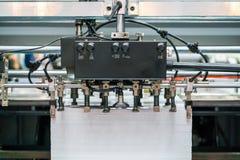 Muito sistema de sução da unidade do papel e da fonte em moderno e de alta tecnologia da publicação ou da máquina de impressão au foto de stock royalty free