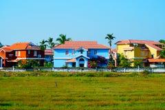 Muitos abrigam perto da praia em Benaulim, Goa sul, Índia Fotografia de Stock