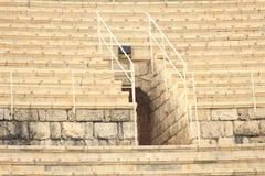Muitos assentos no teatro romano de Caesarea Maritima Imagem de Stock