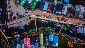 Muitos barcos na cidade imagens de stock royalty free