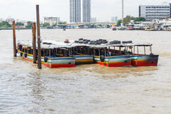 Muitos barcos no porto Fotos de Stock