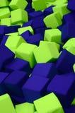 Muitos blocos coloridos do delicado em um kids& x27; ballpit em um campo de jogos Foto de Stock